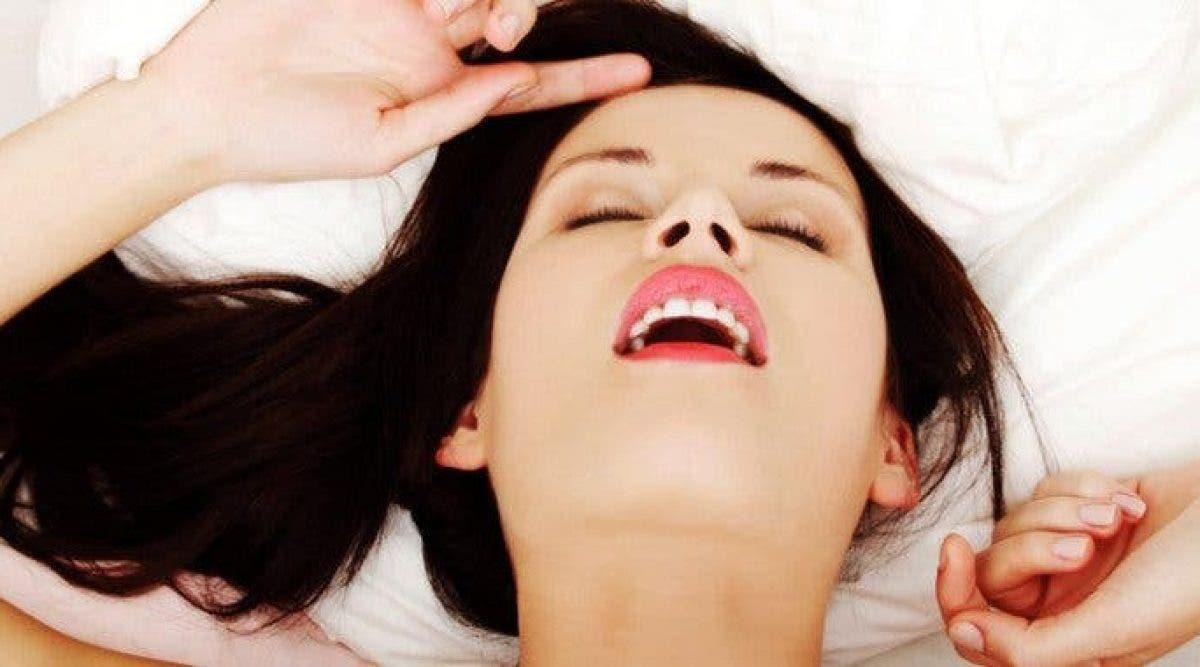 10 choses que les femmes rêvent secrètement de faire au lit. Tout les hommes doivent lire ça