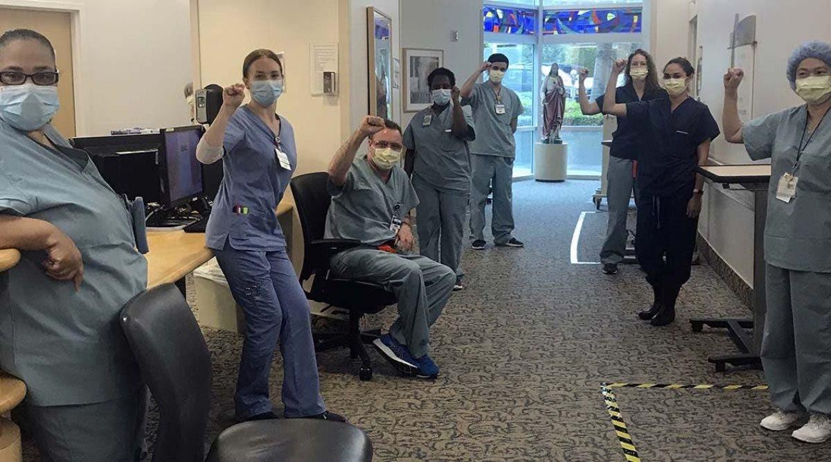 10-infirmiers-suspendus-apres-avoir-refuse-de-soigner-des-patients-atteints-du-coronavirus-sans-masque-de-protection
