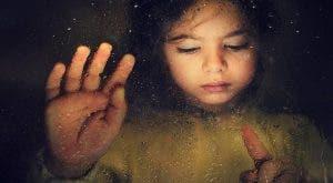 11 signes d'un parent toxique et comment ils nuisent à leurs enfants sans le réaliser