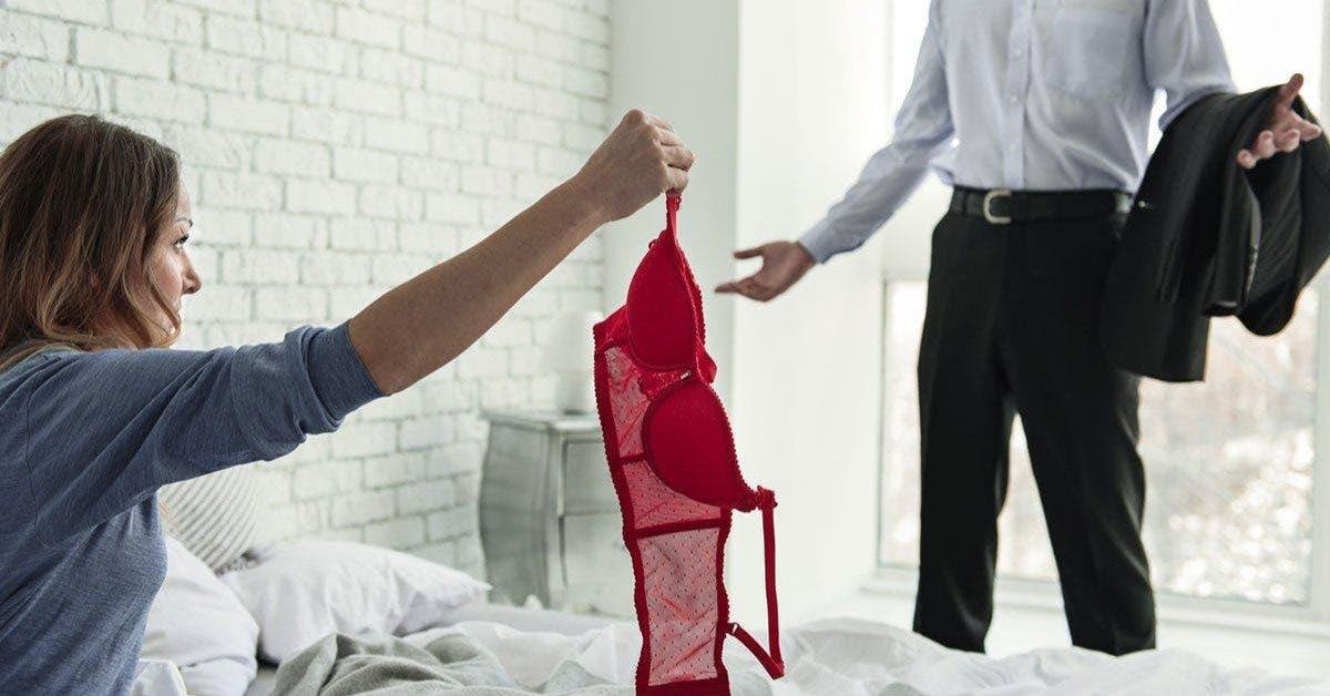 12 signes votre partenaire couche avec quelqu'un d'autre