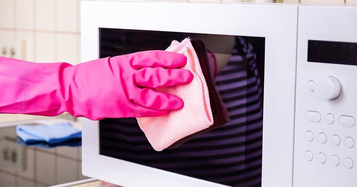 4-astuces-efficaces-pour-redonner-de-la-blancheur-a-vos-appareils-menagers-jaunis