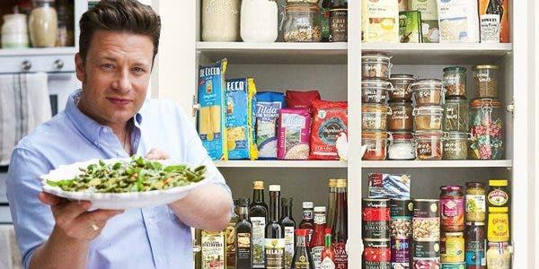 4-recettes-delicieuses-de-jamie-oliver-pour-cuisiner-les-fonds-de-placard-pendant-le-confinement