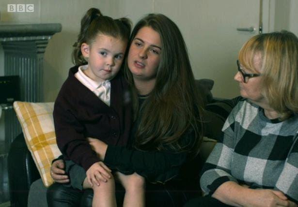 Pitbulls attaquent sauvagement une petite fille de 2 ans sans défenses