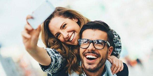 5-raisons-pour-lesquelles-les-couples-heureux-ne-parlent-pas-de-leur-relation-sur-les-reseaux-sociaux