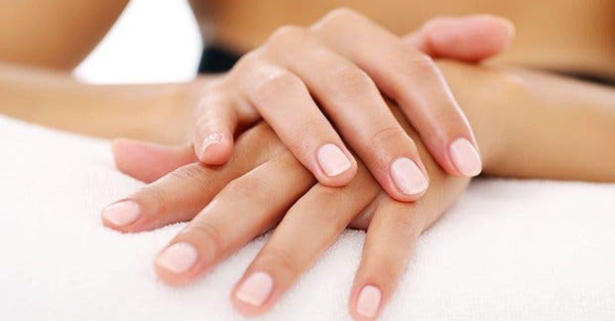 5 symptomes de problemes de sante visibles par les ongles11