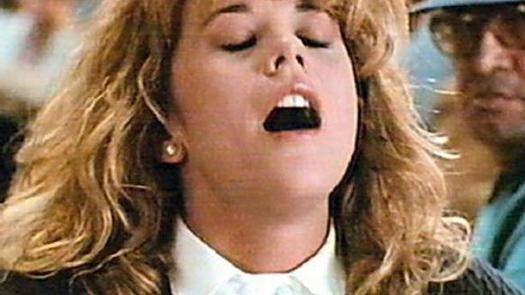 L'orgasme dans le sommeil d'une femme