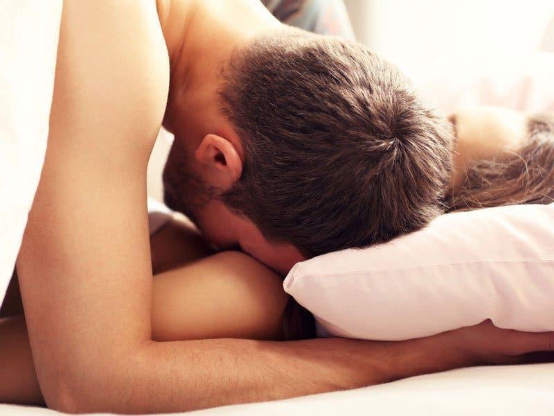 66% des hommes continuent de faire cette grande erreur au lit
