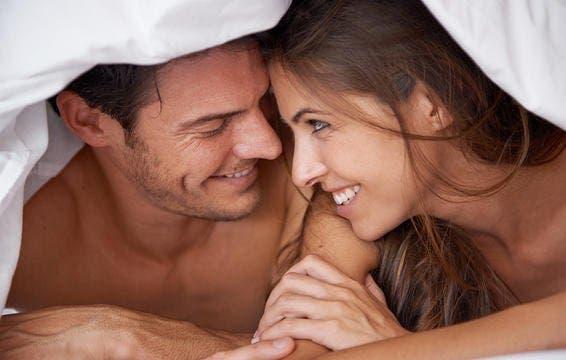 7 petites secrets à faire pendant l'amour pour rendre votre relation magique