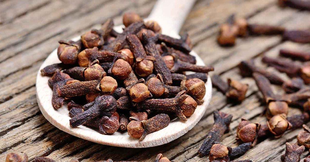 7-remedes-naturels-qui-peuvent-aider-a-soulager-les-maux-de-dents