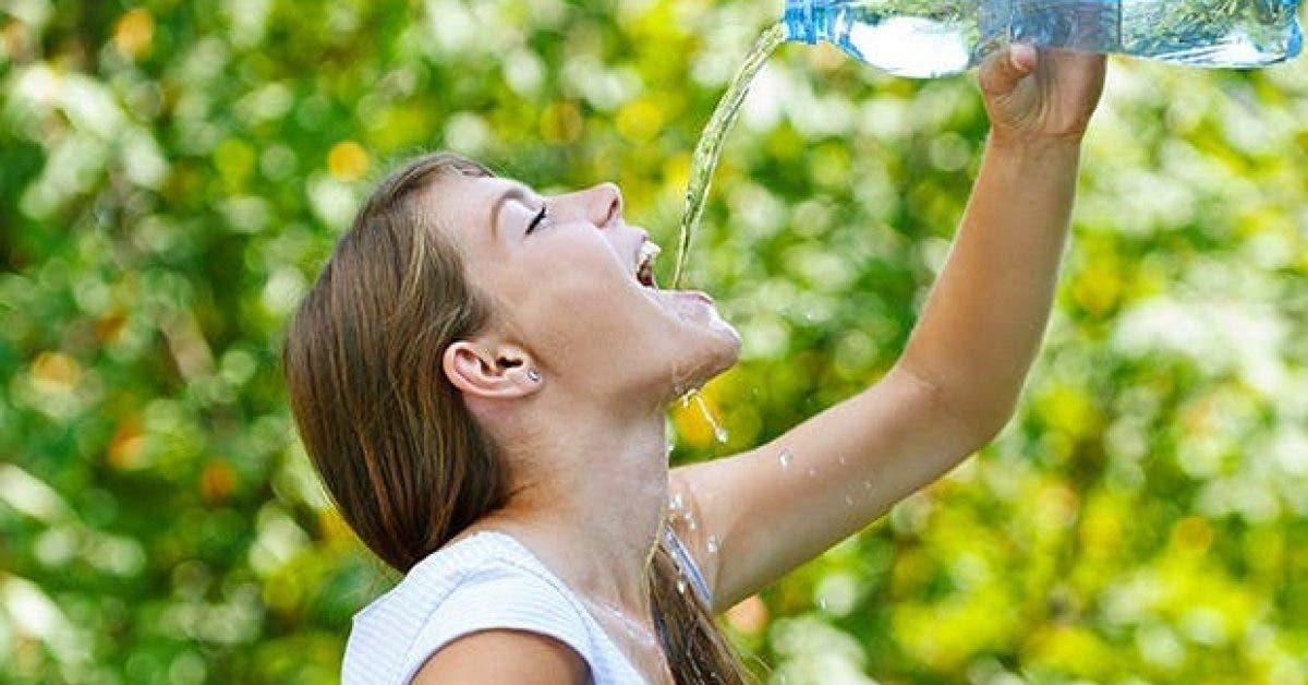 8 choses qui arrivent a votre corps lorsque vous buvez de leau 1