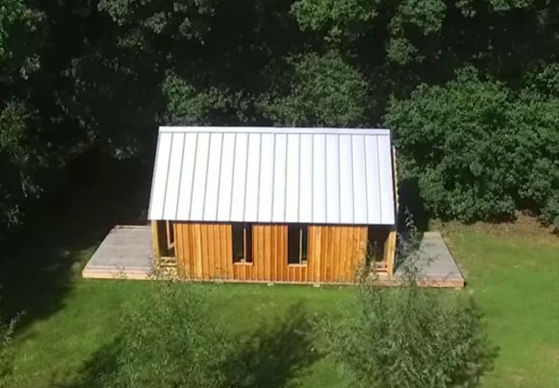 Ce fils construit pour sa mère une maison qui a secret très spécial