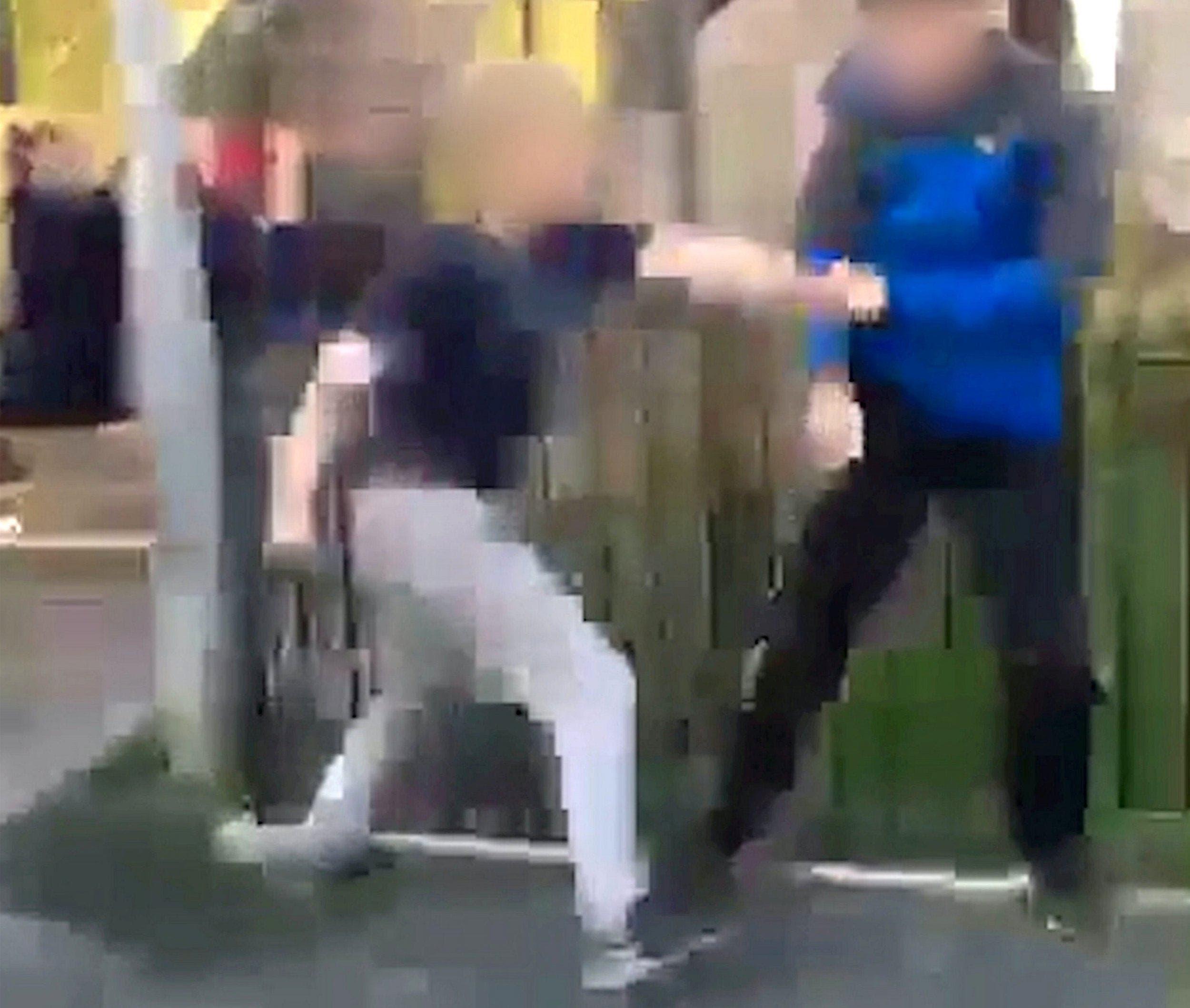 Ce garçon autiste de 14 ans a été roué de coups par un autre adolescent pendant que ses camarades riaient