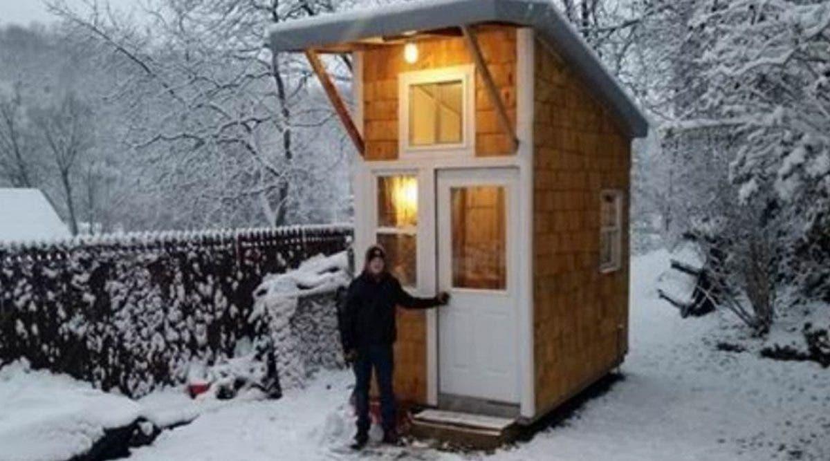 Ce garçon de 13 ans construit sa propre petite maison pour 1300€