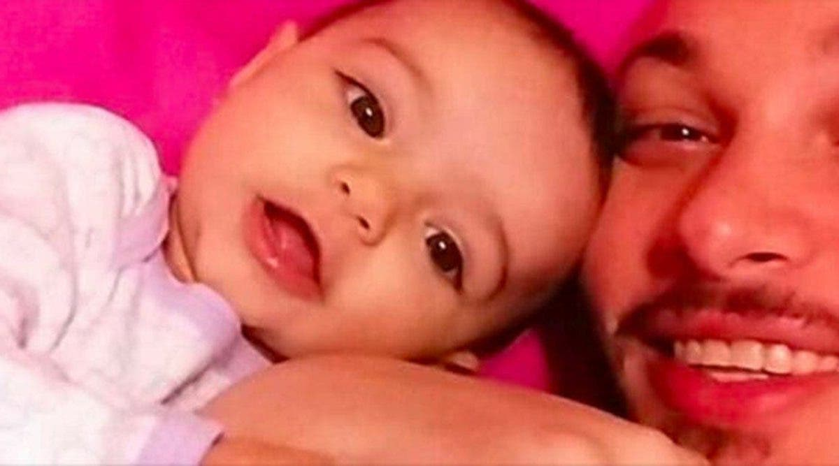 Ce papa dépose chez son ex des médicaments pour leur bébé