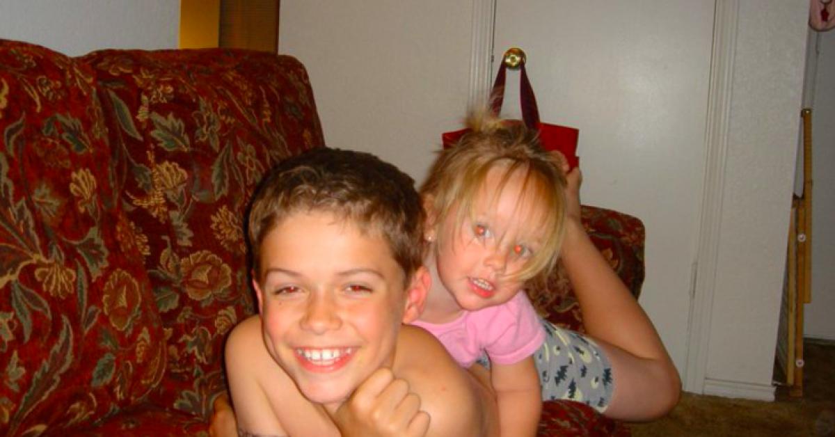 Ce petit garçon a tué sa petite sœur pour se venger et sa maman lui pardonne