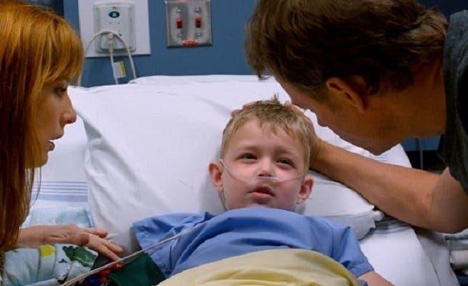 Ce petit garçon est revenu à la vie après que les médecins l'on déclaré mort
