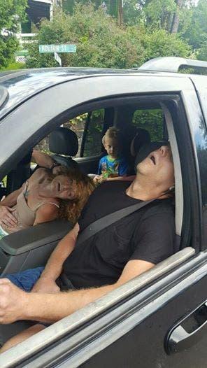 Ce que les policiers découvrent dans cette voiture va les hanter toute la vie