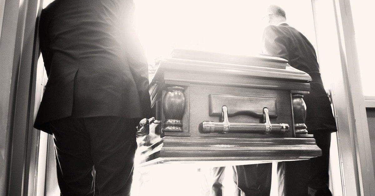 Ce qui arrive après la mort de nos parents - nous sommes dévastés, quel que soit notre âge