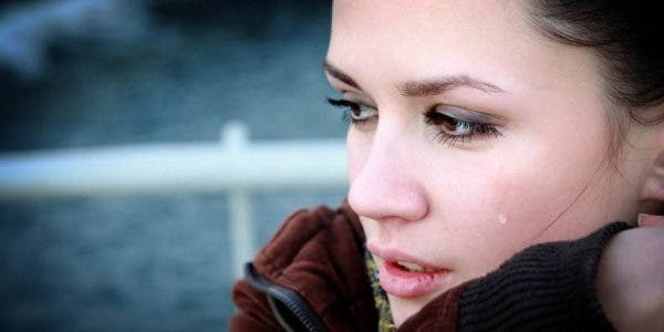 Ces 5 signes du zodiaque tombent amoureux facilement au point d'en souffrir
