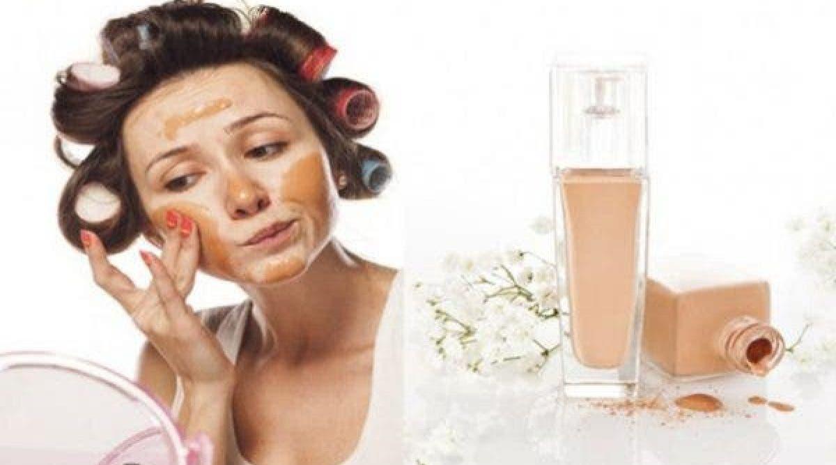 Ces conseils valent de l'or : cette méthode vous permettra de choisir le meilleur fond de teint pour votre peau !