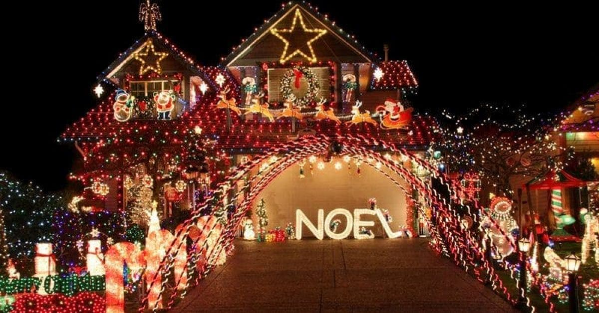 Cest prouve les personnes qui mettent les decorations de Noel plus tot sont plus heureuses 1