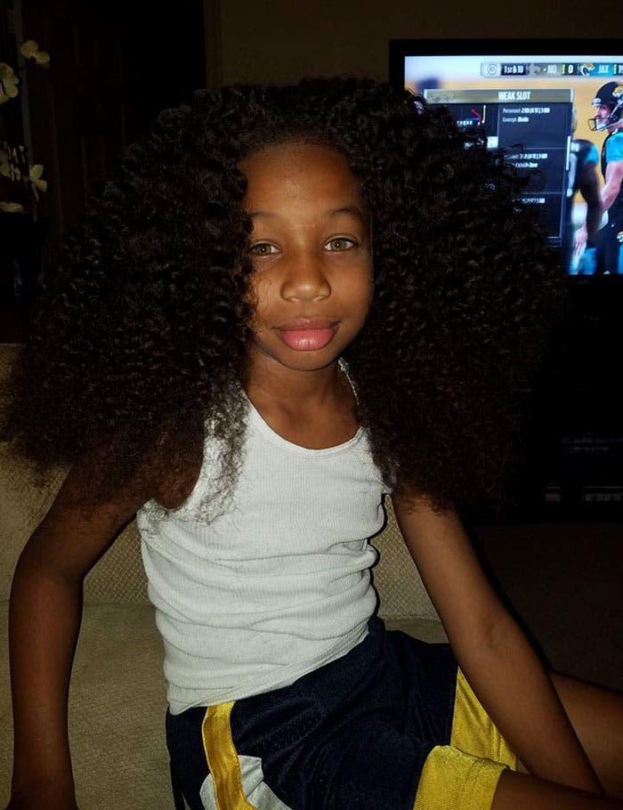 Cet enfant fait pousser ses cheveux pour les offrir aux enfants atteints de cancer
