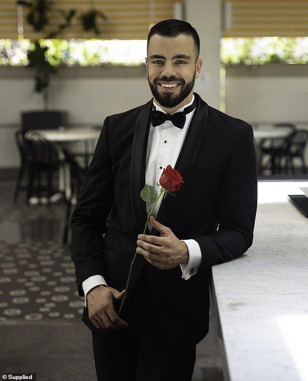Cet homme d'affaires gagne 75 000€ par mois et cherche désespérément l'amour