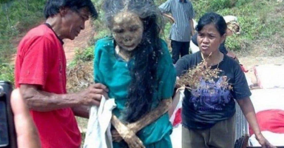 Cette femme morte sort de sa tombe et marche 3 ans après son décès