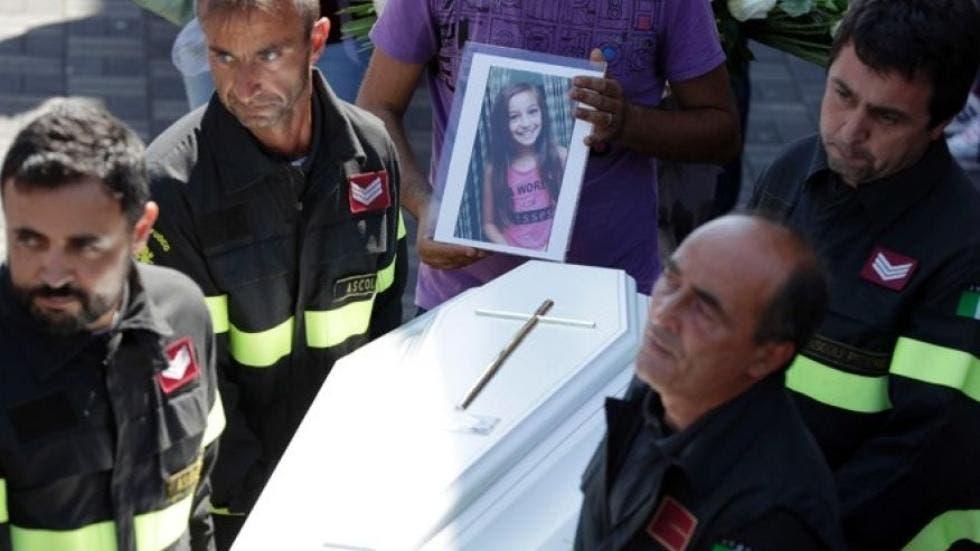 Cette fille a sauvé sa petite sœur pendant un tremblement de terre