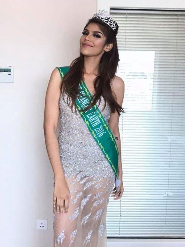Cette fille moqué pour son surpoids perd 53 kilos et remporte le concours de miss