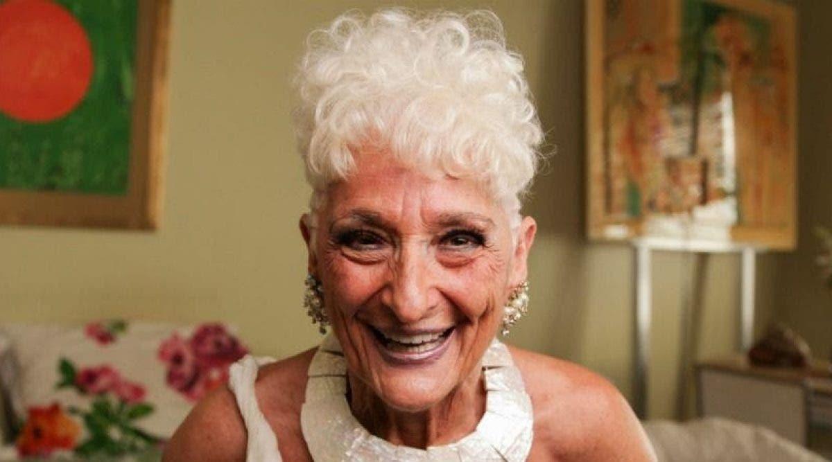 Cette grand-mère de 83 ans recherche sur Tinder des hommes plus jeunes pour des aventures d'un soir