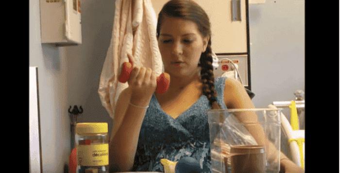 Cette maman de 26 ans est paralysé après l'accouchement