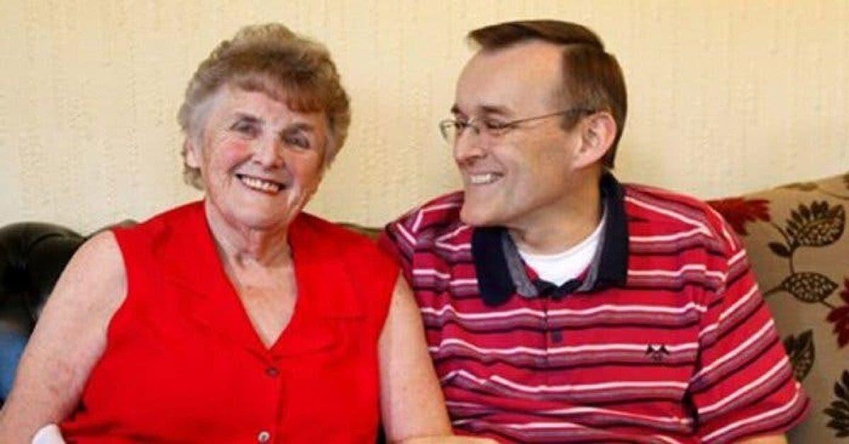 Cette mère atteinte d'Alzheimer retrouve la mémoire grâce aux deux aliments que son fils lui donnait à manger tous les jours
