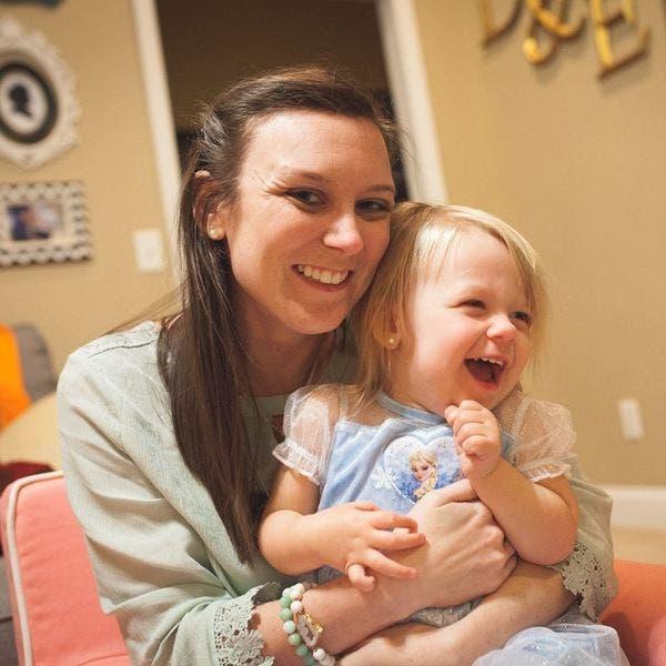 Kjo nënë nuk u beson syve kur doktori i tregon foshnjës së saj