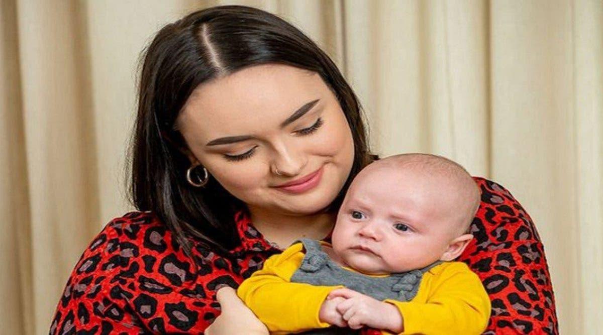 Cette mère qui a perdu son premier bébé à la naissance a décidé de créer des cartes de voeux pour la fête des mères