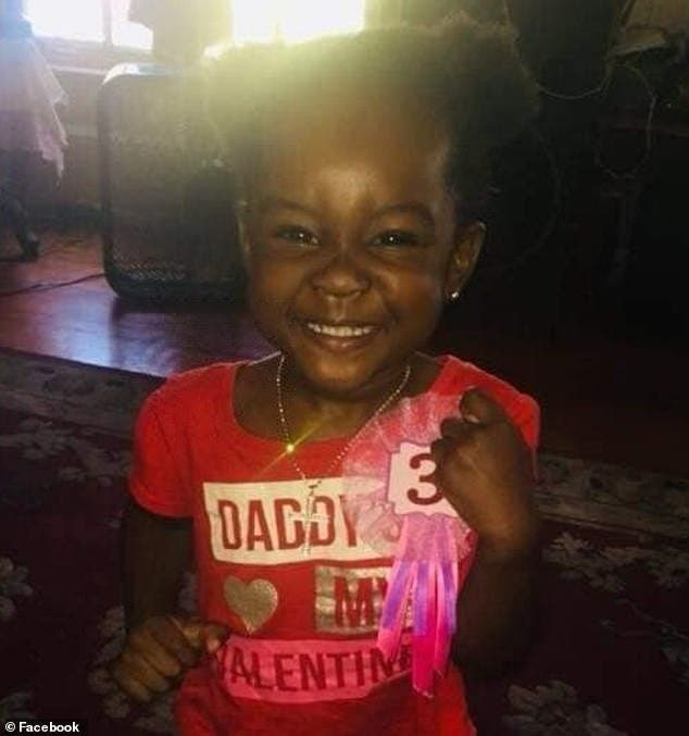 Cette petite fille a été violée et battue pas son beau-père devant sa mère