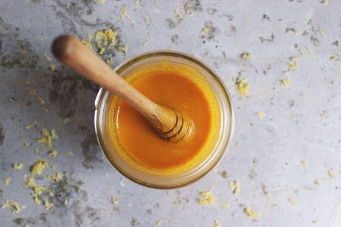 Cette recette au citron et deux autres ingredients efface les taches brunes et repare les degats du soleil