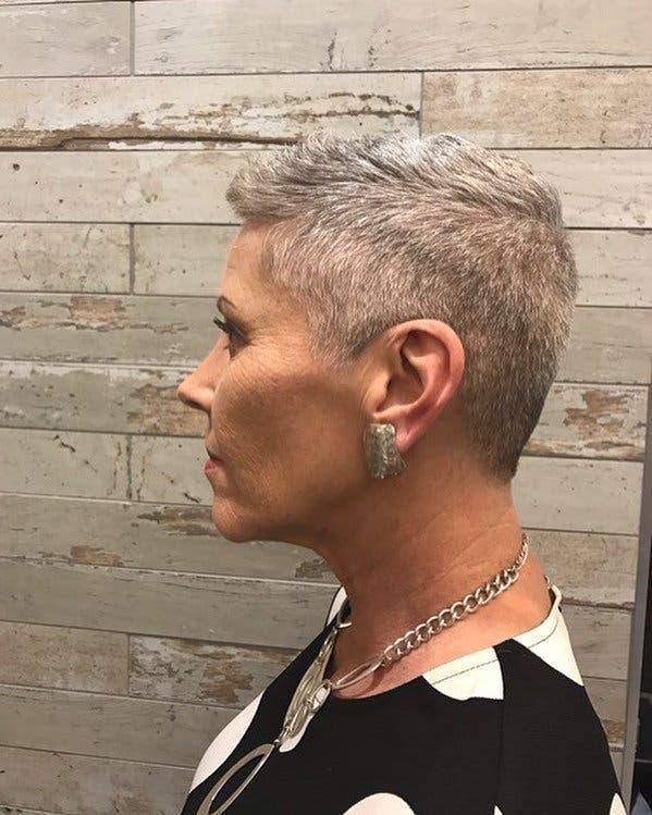 Cheveux gris 1