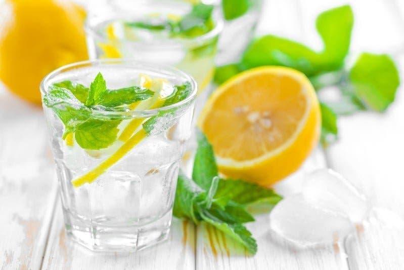 Consommez de l'eau au citron et au curcuma et vous vous souviendrez de moi le reste de votre vie
