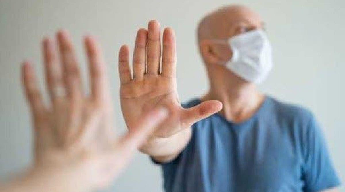 Coronavirus : Les hommes chauves sont-ils plus à risque comme l'affirme une étude scientifique ?