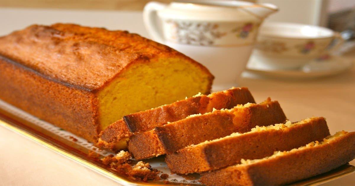 Délicieux quatre quart aux amandes sans beurre, sans sucres, sans lait