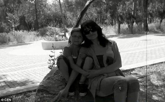 Des parents dévastés se suicident quelques minutes après la mort de leur fils
