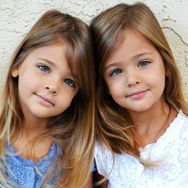Des sœurs jumelles nées en 2010 ont grandi