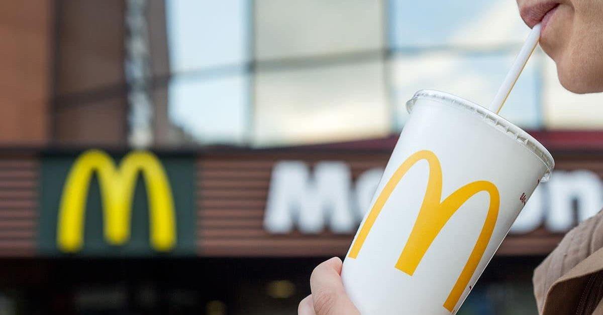Des matières fécales ont été retrouvées dans les glaçons de McDonald's, Burger King et KFC. Retour sur cette polémique autour de ces établissements prisés.