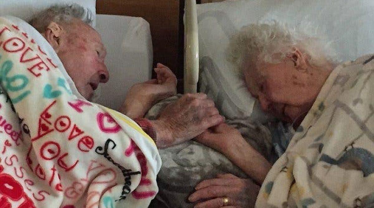 Deux personnes mariées depuis 64 ans meurent à quelques heures d'intervalle en se tenant la main dans leur lit d'hôpital. Voici leur histoire