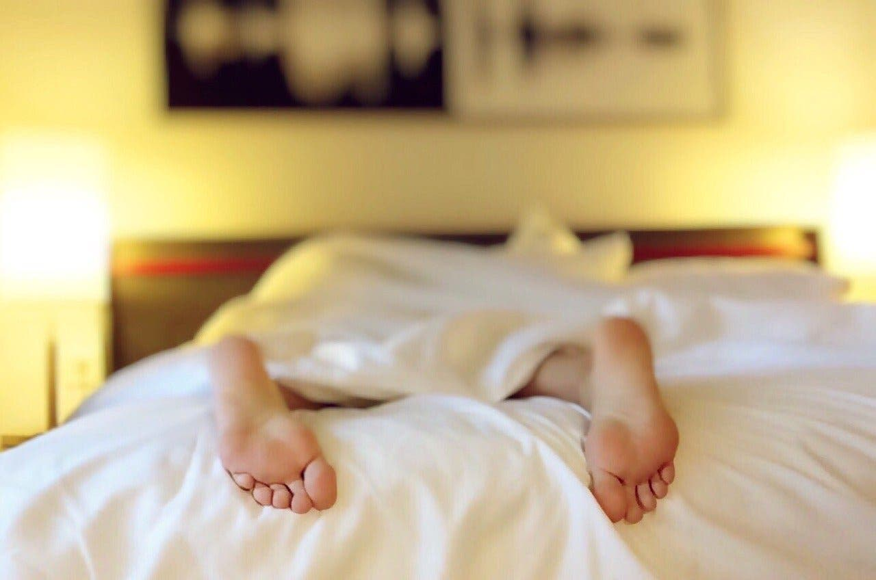 Dormir moins de 7 heures par nuit a de graves répercussions sur notre corps : voici lesquelles