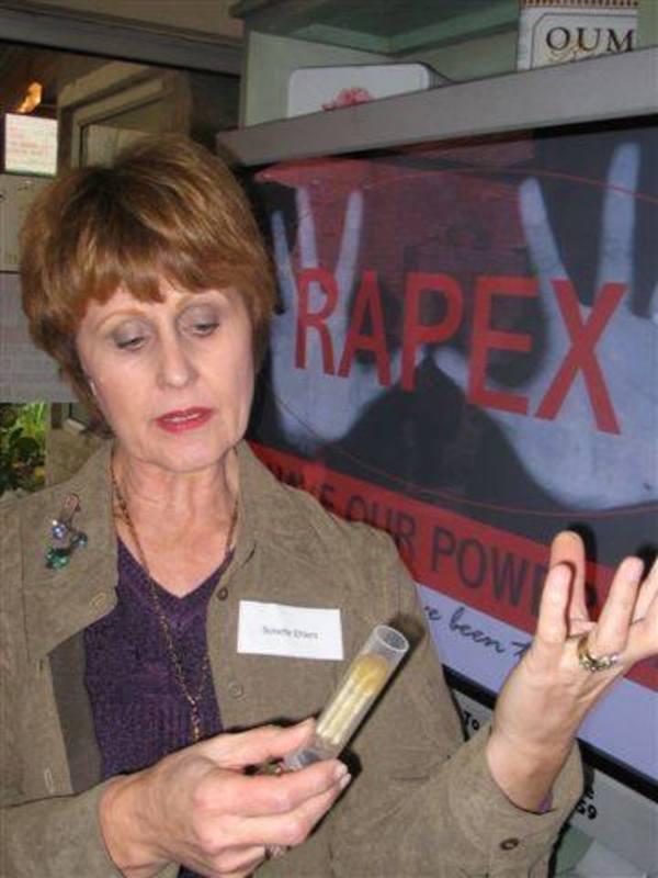 Elle crée un objet pour protéger les femme contre le viol