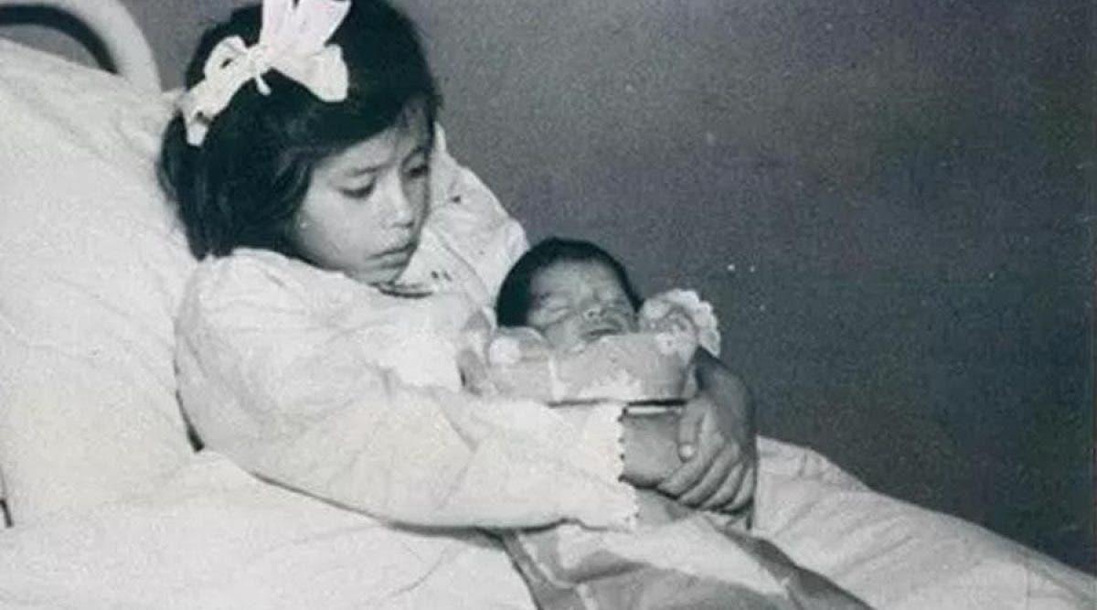 cette fille est la plus jeune mère de l'histoire
