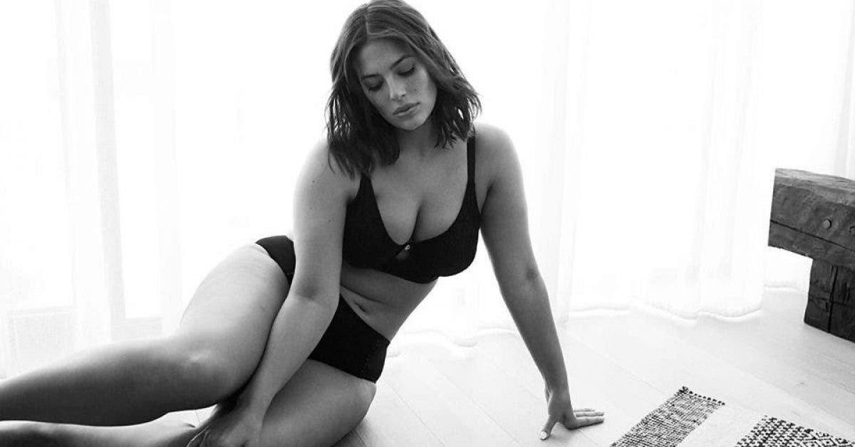Enceinte, la mannequin Ashley Graham publie des photos en sous-vêtements et attire des milliers de compliments