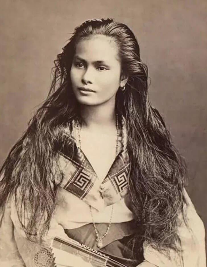 Femme Luzon 1 1